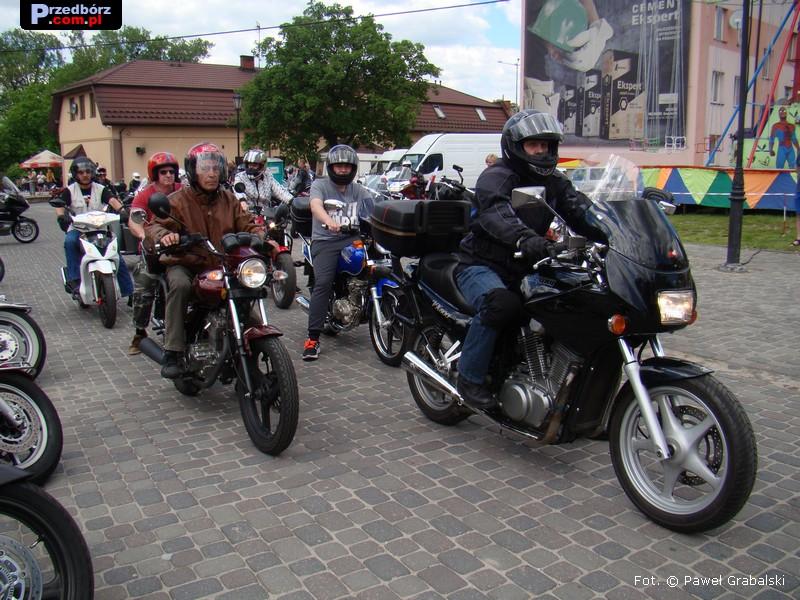 Oglądasz obraz z artykułu: Motocykle zjechały do Przedborza